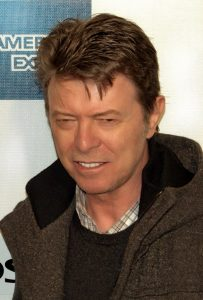 800px-David_Bowie_at_the_2009_Tribeca_Film_Festival